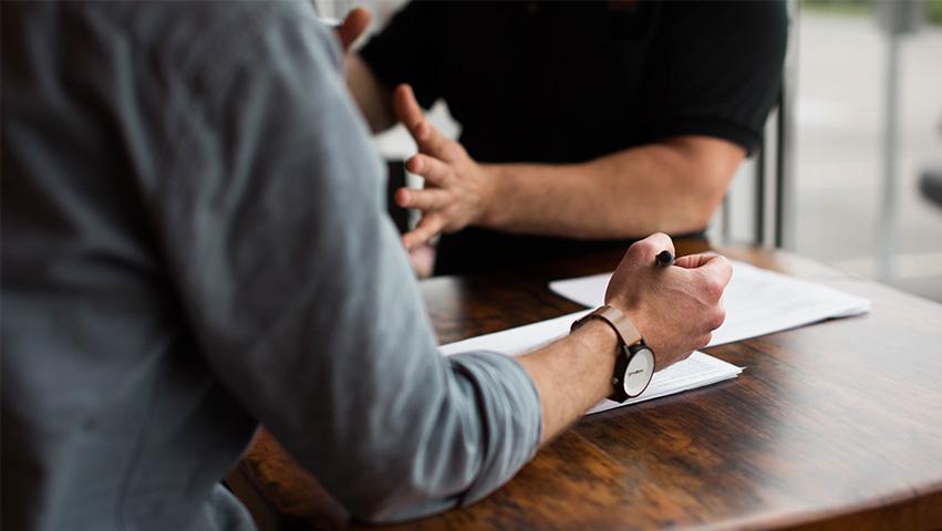 meeting - 3 Wege wie die Informatik der Gesellschaft hilft